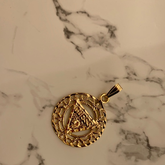 Other - Vintage Guess Pendant